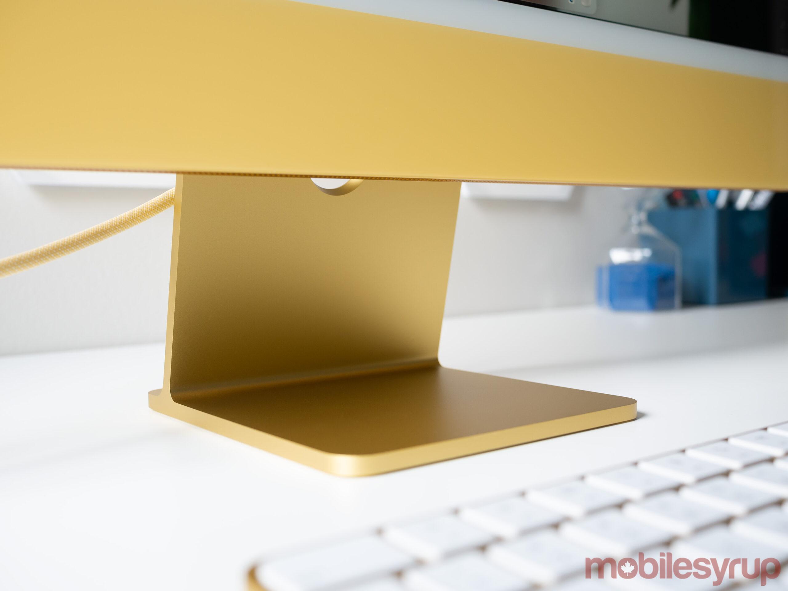 24-inch iMac 2021 stand